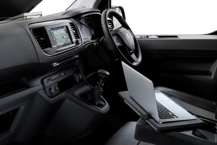 Peugeot Expert Long 1400Kg 2.0 BlueHDi FWD 120PS Asphalt Van Manual [Start Stop] inside view